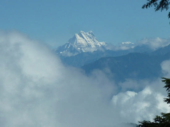ドチュ・ラから霊峰望む