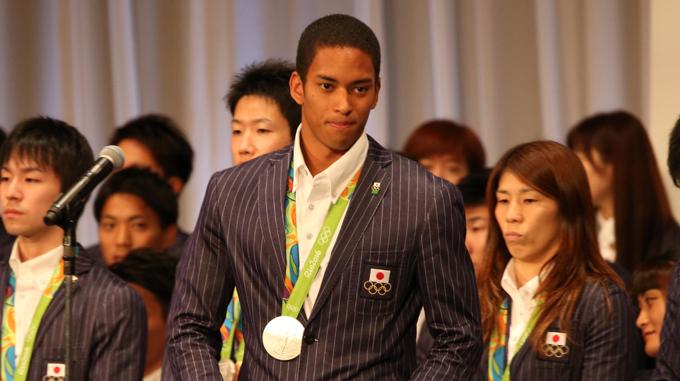 リオ五輪2016日本選手団帰国会見ケンブリッジ飛鳥(陸上・男子4×100mリレー銀メダル)