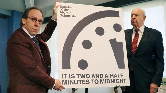 """世界終末時計""""残りがあと2分30秒に大幅短縮!トランプ大統領が世界を ..."""