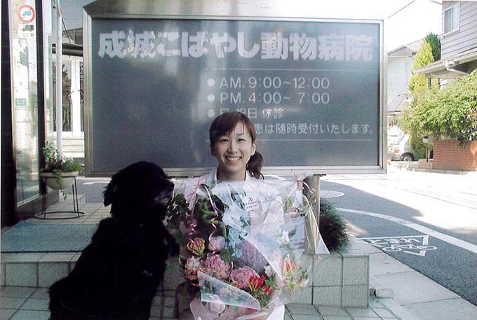 勤務先の病院で寛解したドルチェと記念撮影(w680)