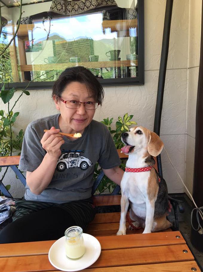 細野直美さんと愛犬(w680)