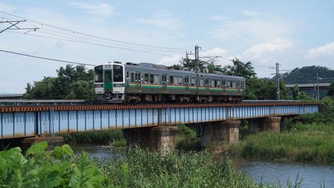 719系5000番台普通列車