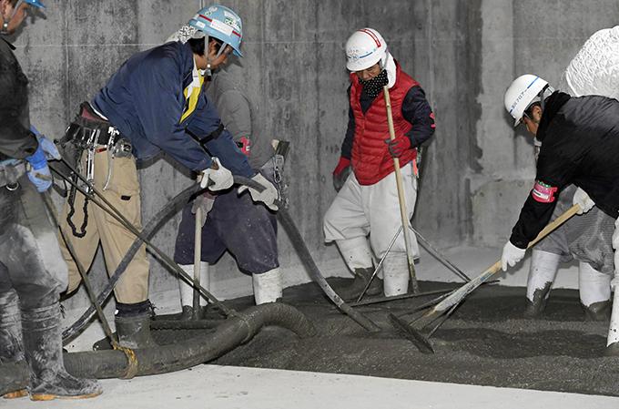 豊洲市場 青果棟 地下空洞 追加 安全 対策 工事