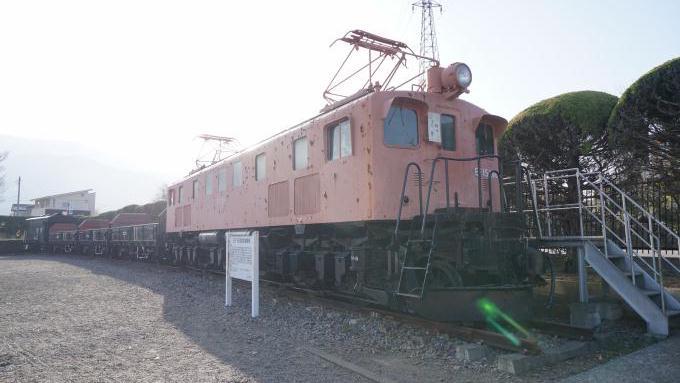 韮崎市 中央公園 EF15形 電気機関車 貨物列車