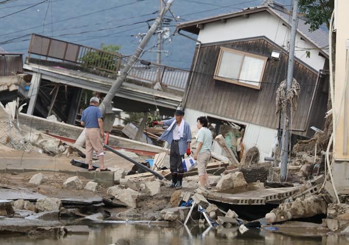 西日本 豪雨 被害 後片付け 住民 岡山県 倉敷市