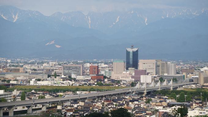 立山連峰 富山市街 E7系・北陸新幹線 かがやき E7系