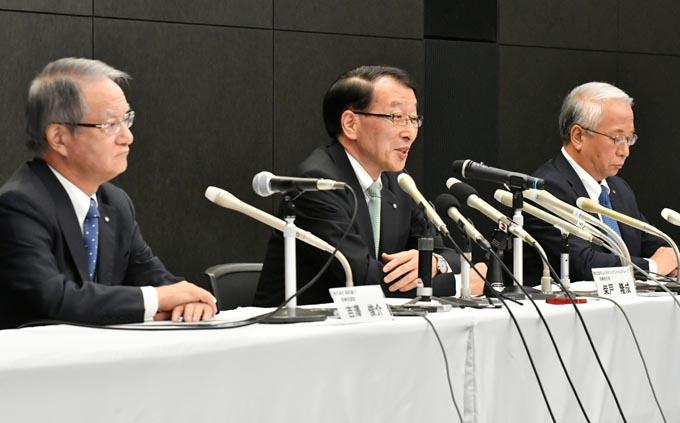 経営統合 親和銀行 吉沢俊介 ふくおかFG 柴戸隆成 十八銀行 森拓二郎 地銀 統合