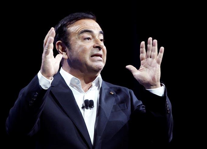 ルノー フランス カルロス・ゴーン 会長 辞任 日産 世耕 マクロン大統領 国有企業