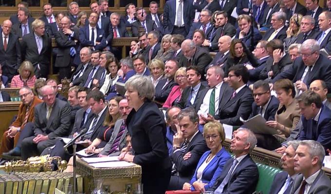 イギリス メイ首相 EU離脱 EU 合理なき離脱 再交渉 拒否 ヨーロッパ連合 安倍