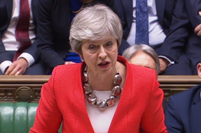 キャメロン首相 メイ首相 イギリス EU離脱 合意なき離脱 可決 ブレグジット