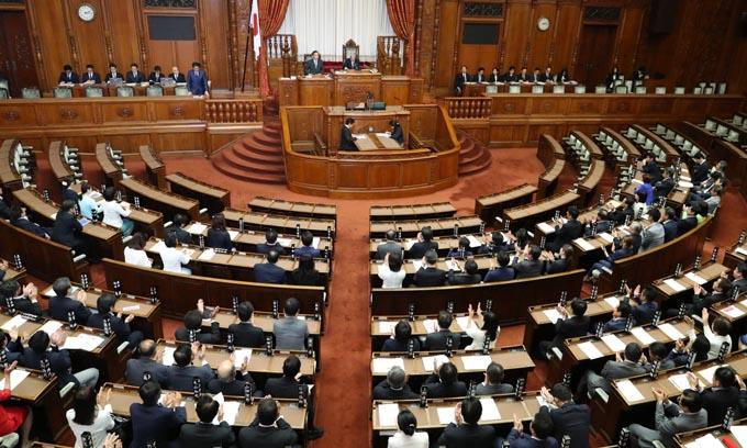 """安倍総理が衆議院解散をしなかった""""どこも報道しない""""その背景 ..."""