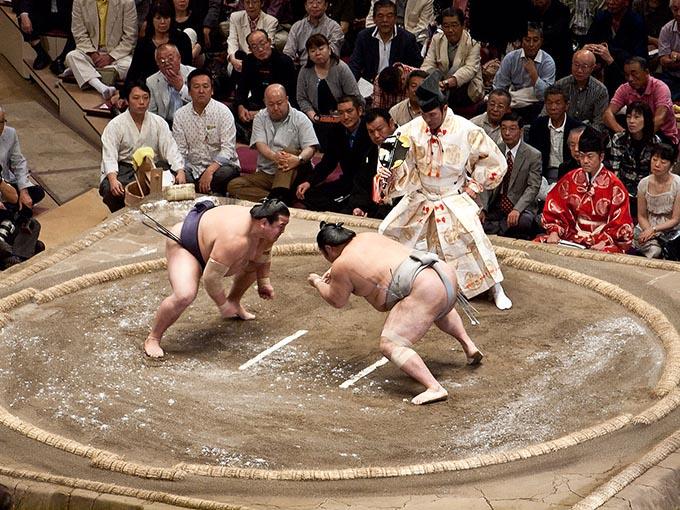 相撲の「関取」と「幕下以下」でどのくらい待遇が違うのか – ニッポン ...