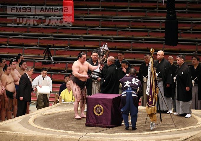 相撲 無 観客