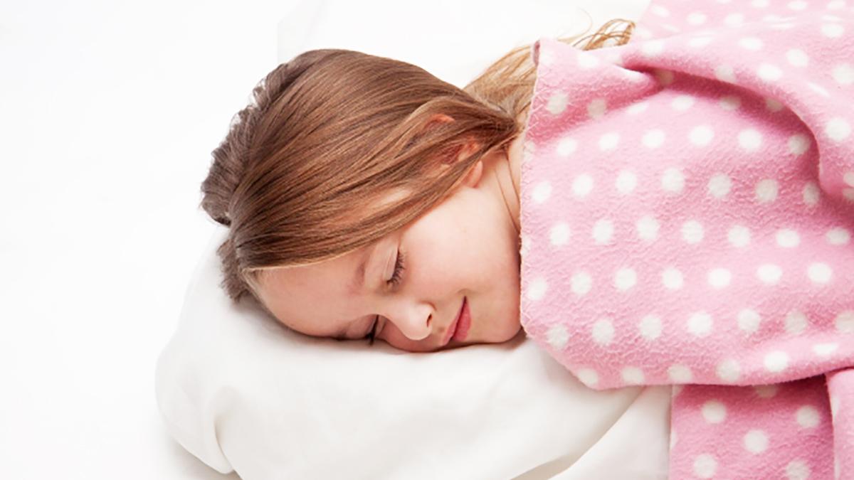 寝 いつから うつ伏せ 赤ちゃんの寝返りはいつ始まる? 練習は必要?