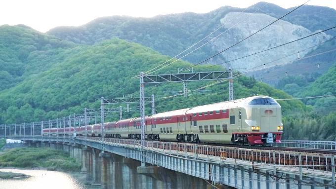 285系電車・寝台特急「サンライズ瀬戸・出雲」、山陽本線・熊山~万富間