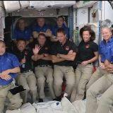 国際宇宙ステーションにクルー11人が一堂に会した(4月24日 NASAテレビから)