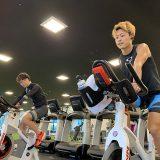 佐藤圭一選手・宇田秀生選手のジムトレーニング(日本トライアスロン連合提供)