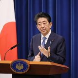 2020年8月28日、会見を行う安倍総理~出典:首相官邸ホームページ(https://www.kantei.go.jp/jp/98_abe/actions/202008/28kaiken.html)