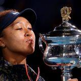 全豪テニス・女子シングルス表彰式/優勝した大坂なおみ=2021年2月20日 AFP=時事 写真提供:時事通信