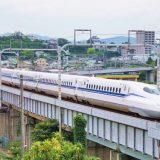小田原城をバックにN700S新幹線電車「のぞみ」、東海道新幹線・小田原~熱海間