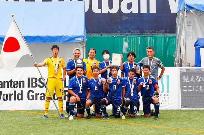 日本代表チーム(写真提供:日本ブラインドサッカー協会/鰐部春雄)