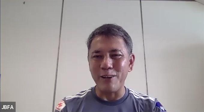 取材に応じる高田敏志監督(提供:日本ブラインドサッカー協会)