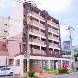 折尾駅前の東筑軒本社