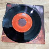 シングルレコードは「ドーナツ盤」と呼ばれた レコードも当時は贅沢品だった
