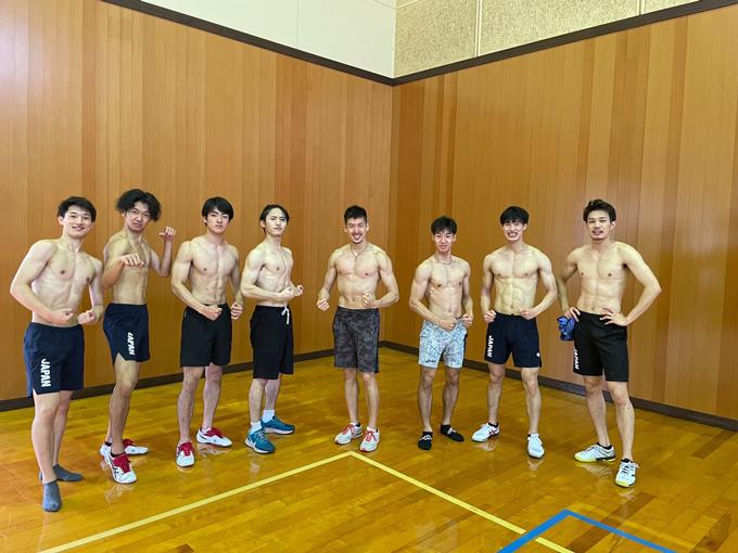 武井会長曰く……フェンシング選手はマスクをとるとイケメンが多い。また、ユニフォームを脱ぐと意外に体はバキバキで獣のよう。